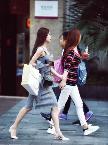 chinese luxury shopping