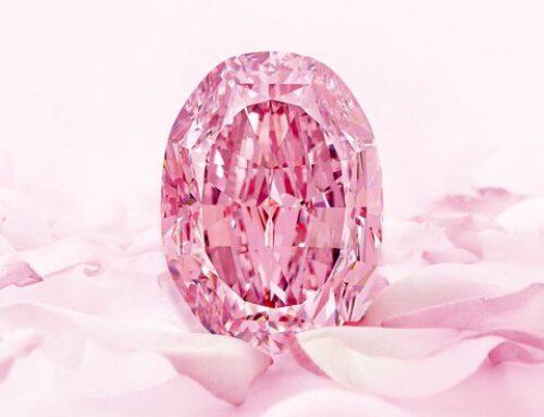 """Ultra-zeldzame paars-roze diamant """"The Spirit of the Rose"""" verkocht voor recordbedrag"""